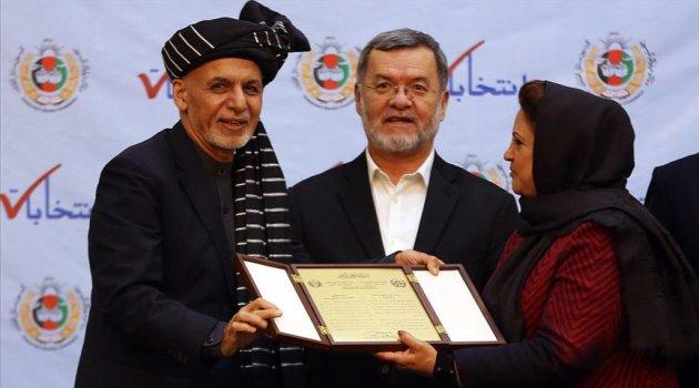 Afganistan Cumhurbaşkanı seçilen Eşref Gani mazbatasını aldı