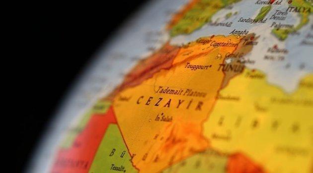 Cezayir Alimler Birliği Başkanı Kasum'dan Macron'un Osmanlılara yönelik suçlamalarına tepki