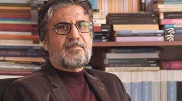 KEMAL KAHRAMAN: Akif Emre'ye göre erguvan fani güzelliğin simgesi