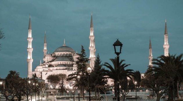OSMAN  NURİ TOPBAŞ: Müslüman Şahsiyet ve Karakterinin Fârikaları