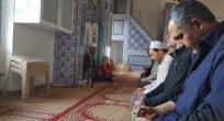HAYRİ BOSTAN: Camiler Issızlaşıyor