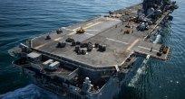 ABD uçak gemisi Katar limanında