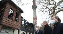 Erdoğan yangında hasar gören tarihi Vaniköy Camisi'nde incelemede bulundu
