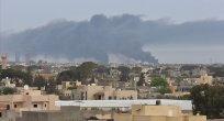 Libya'da Hafter militanları bayram sabahında başkenti bombaladı