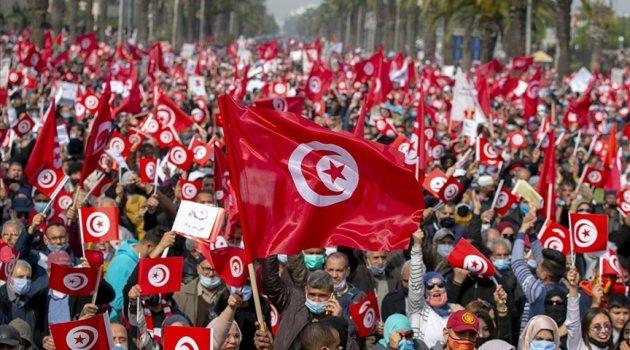 Tunus'ta Nahda Hareketi'nin sukunet politikası